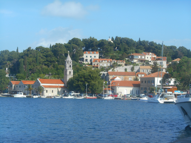 That's us on the right, tied up to the immigration dock at Cavtat, Croatia (space for one boat only) while we are checking in